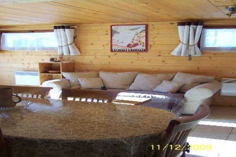 Location de vacances - Chalet à Le Grand-Bornand - Salle à manger avec vue sur salon