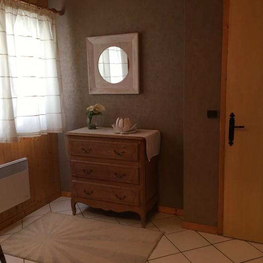 Location de vacances - Chalet à Le Grand-Bornand - Commode dans chambre parents