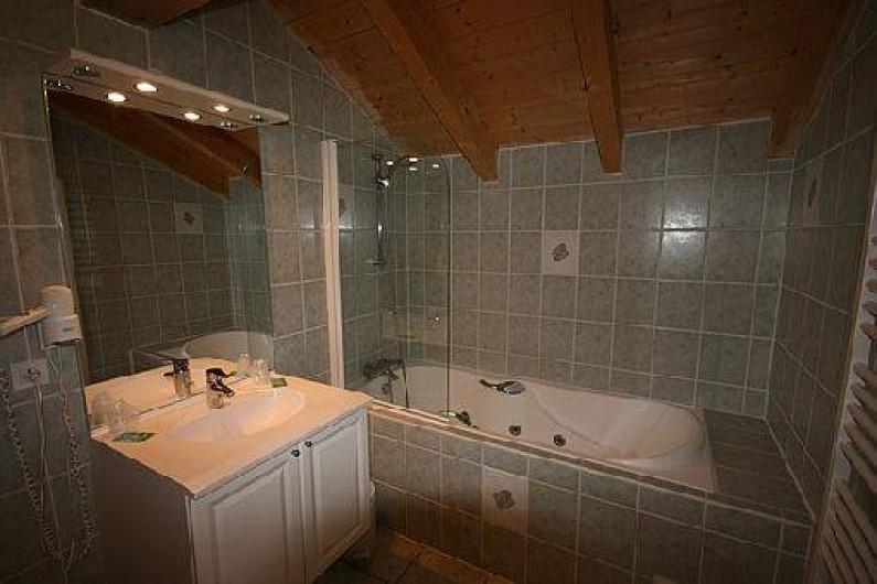Location de vacances - Chalet à Châtel - salle de bain de la 3