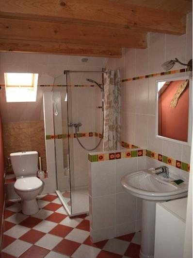 Location de vacances - Gîte à Dégagnac - Salle d'eau de la chambre 2 et 3