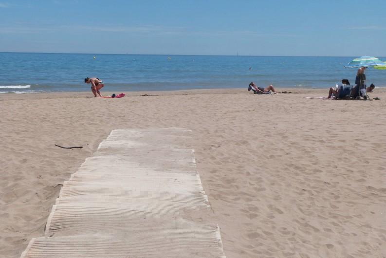 Location de vacances - Villa à Gruissan Plage - la plage de sable fin