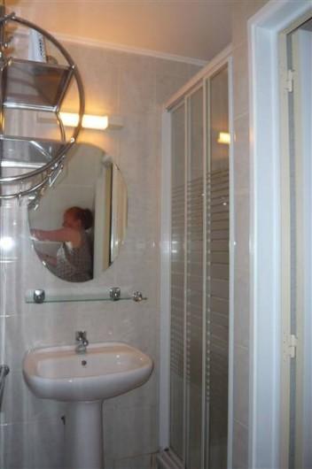 Location de vacances - Villa à Portiragnes Plage - Salle d'eau rez-de-chaussée