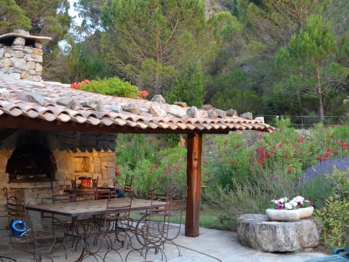 Location de vacances - Mas à Mourèze - Table pour diner