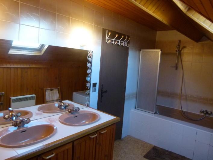Location de vacances - Chalet à Picherande - salle de bains