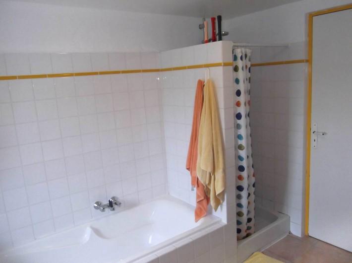 Location de vacances - Maison - Villa à Lauzerte - Douche aussi