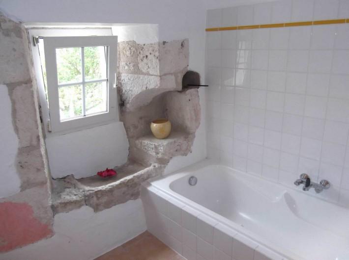 Location de vacances - Maison - Villa à Lauzerte - Salle de bain avec évier traditionelle