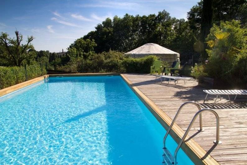 Location de vacances - Yourte à Barjac - Piscine de 12 m x 5 m et pataugeoire ouvertes H24 aux beaux jours