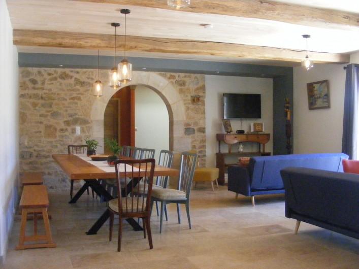 Location de vacances - Gîte à Saint-Antonin-Noble-Val - Un grand espace pour toute la tribu