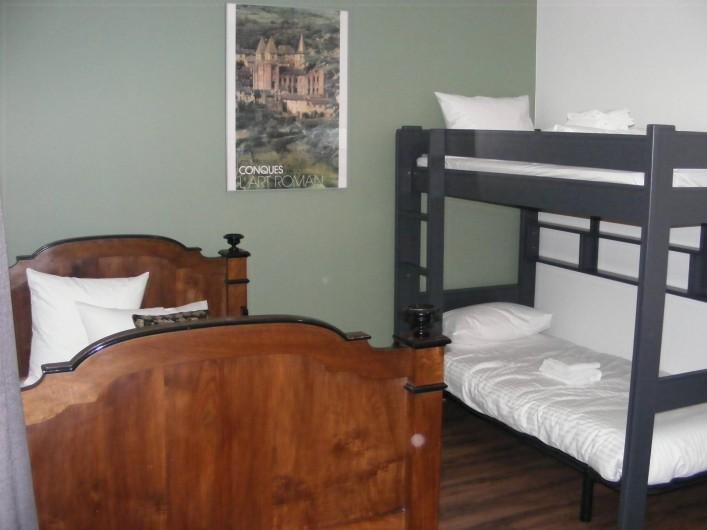 Location de vacances - Gîte à Saint-Antonin-Noble-Val - Chambre Pyrila pour les enfants
