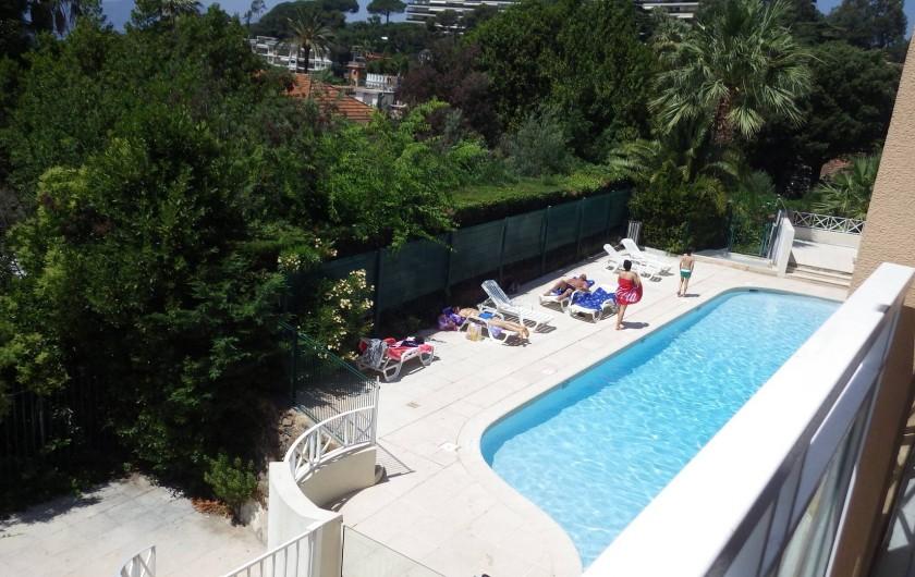 Location de vacances - Appartement à Cannes - deuxième piscine proche de l'appartement
