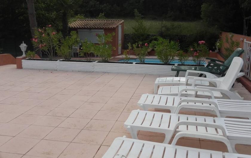 Location de vacances - Appartement à Flayosc - solarium