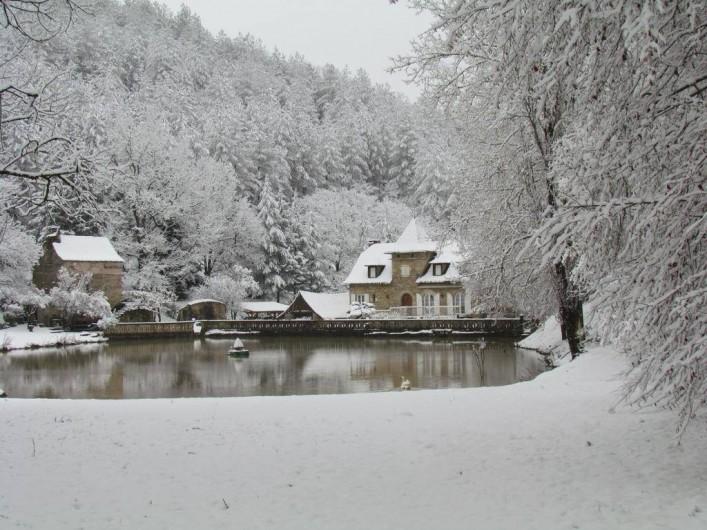 Location de vacances - Gîte à La Rouquette - Sous la neige ...