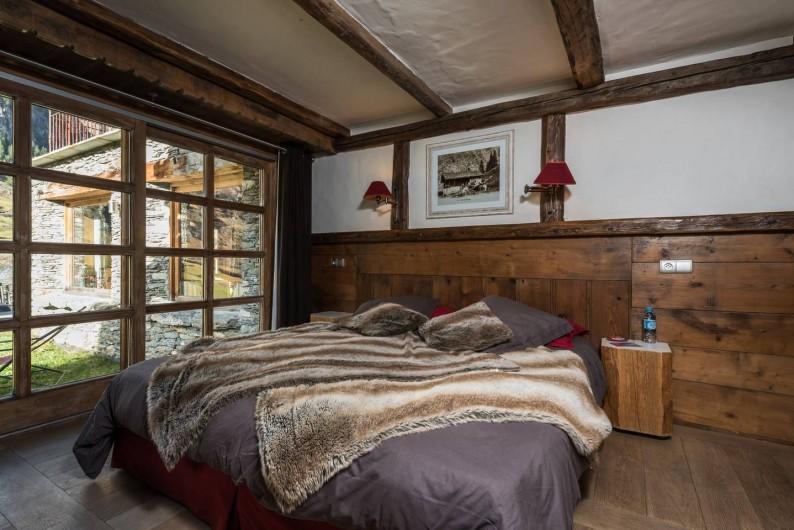 Location de vacances - Chalet à Sainte-Foy-Tarentaise - Gaspard - Chambre triple supérieure, vue montagne, terrasse privative