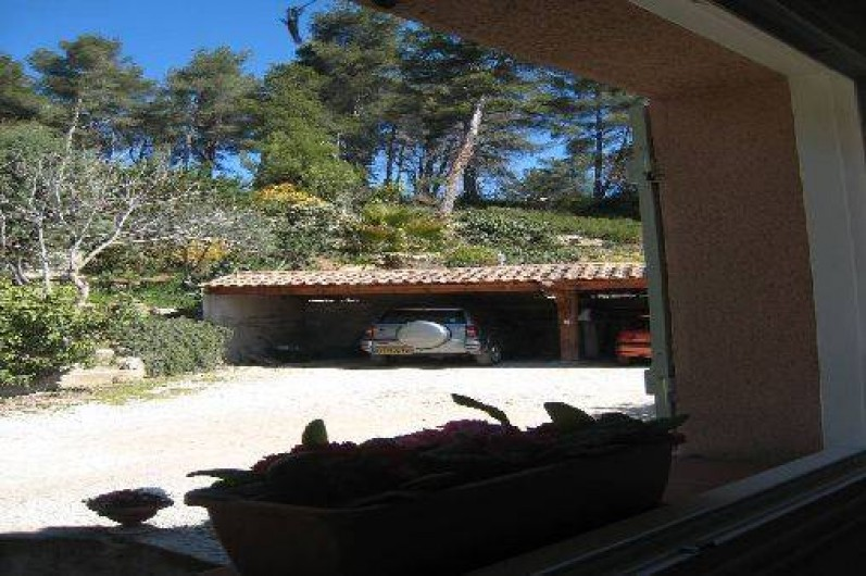 Location de vacances - Appartement à Aix-en-Provence - Abri voitures