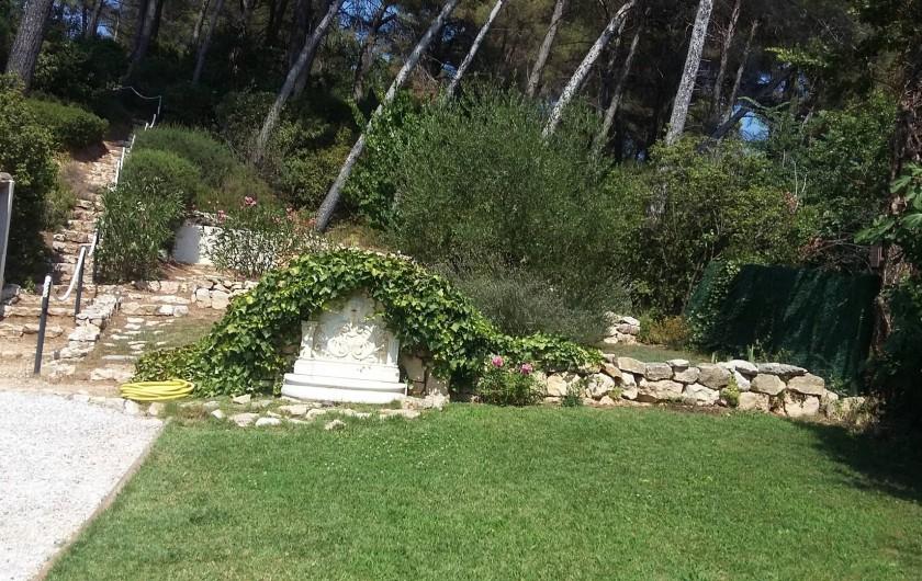 Location de vacances - Appartement à Aix-en-Provence - Escalier en pierre