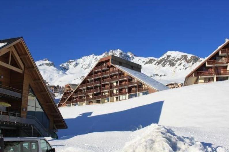 Location de vacances - Studio à Saint-François-Longchamp - l'immeuble
