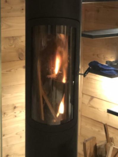 Location de vacances - Chalet à Chamonix-Mont-Blanc - Le poele à bois