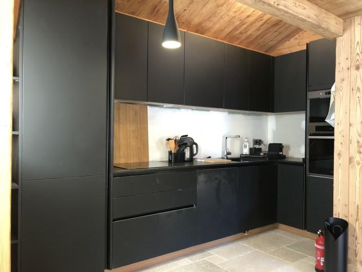 Location de vacances - Chalet à Chamonix-Mont-Blanc - La cuisine toute équipée