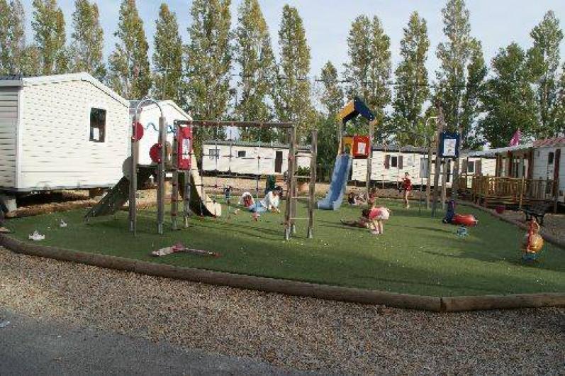 Location de vacances - Bungalow - Mobilhome à Fréjus - Aire de jeux enfants