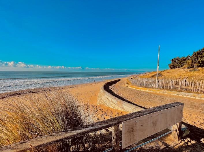 Location de vacances - Villa à Le Bois-Plage-en-Ré - En rentrant de la plage des petits sergent à 300 m de la Villa Bois Plage