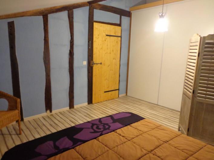 Location de vacances - Villa à Berdoues - Chambre bleue, étage