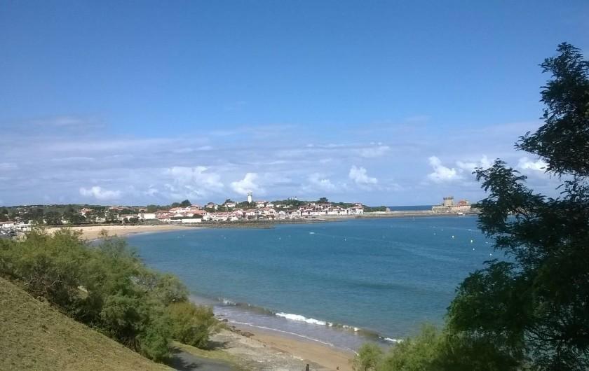 Location de vacances - Villa à Ciboure - plage en bout de rue