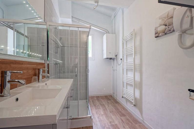 Location de vacances - Villa à Ciboure - salle d'eau double vasque