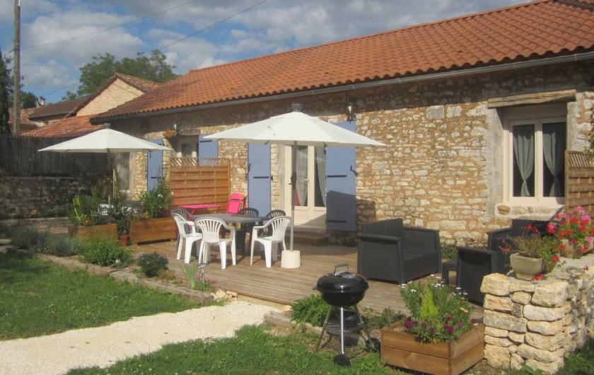 Location de vacances - Gîte à Sorges et Ligueux en Périgord - gîte vue général
