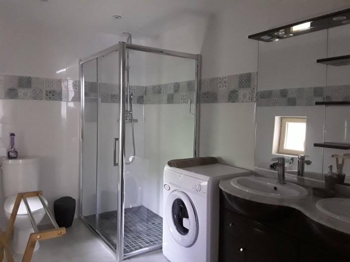Location de vacances - Gîte à Sorges et Ligueux en Périgord - sale de bain