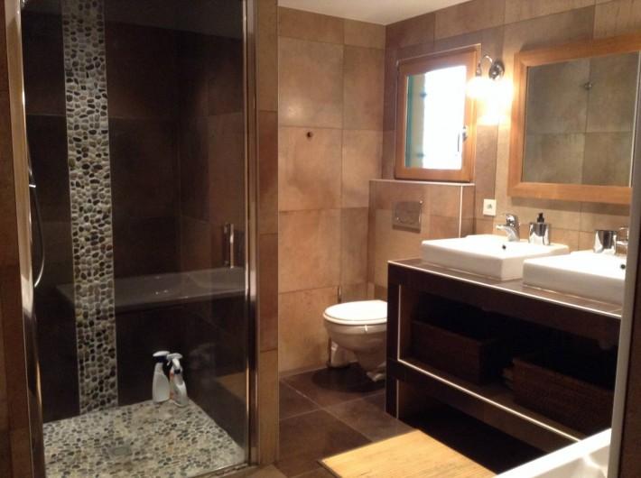 Location de vacances - Gîte à Maillé - salle de bain