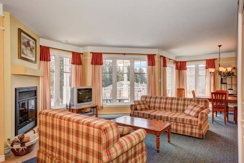 Location de vacances - Appartement à Saint-Donat - Living/salon