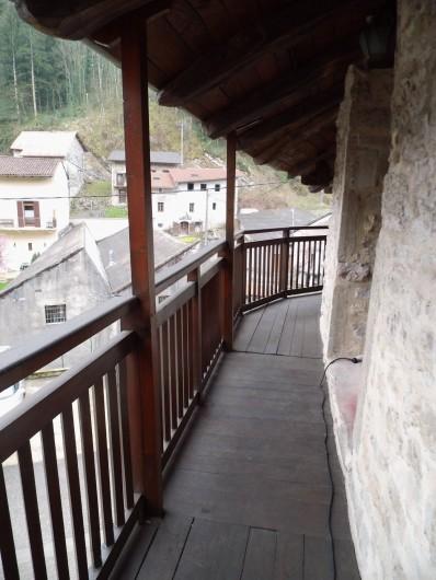 Location de vacances - Gîte à Cerdon - balcon