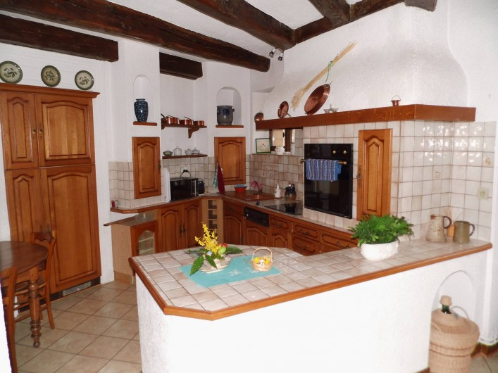 Location de vacances - Gîte à Cerdon - cuisine intégrée