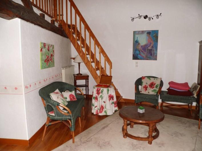 Location de vacances - Gîte à Cerdon - salon 2 eme étage