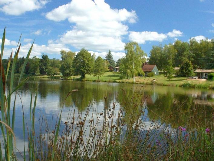 Location de vacances - Chalet à Miallet - L'étang