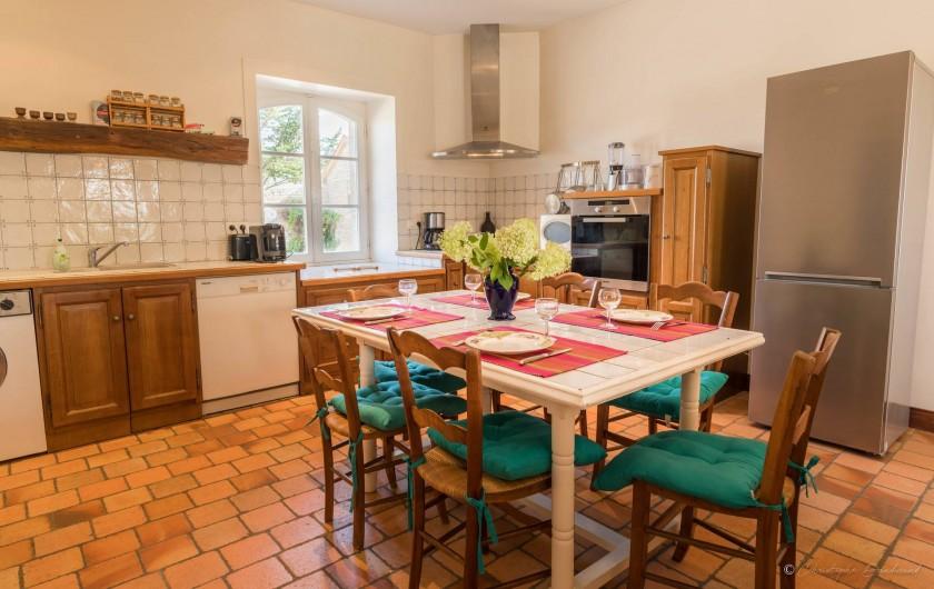 Location de vacances - Gîte à Nieul-sur-l'Autise - Salle à manger-cuisine