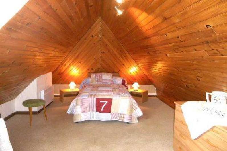 Location de vacances - Gîte à Piets-Plasence-Moustrou - La chambre au premier étage