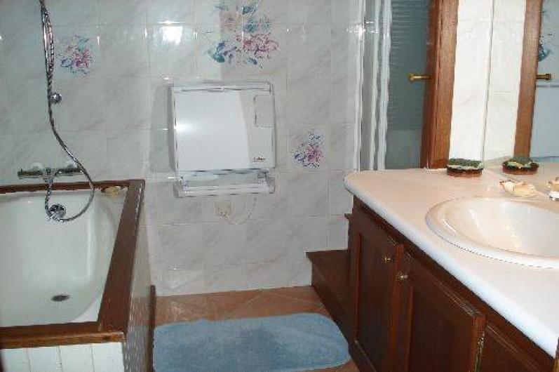 Location de vacances - Gîte à Trédrez-Locquémeau - Salle de bain