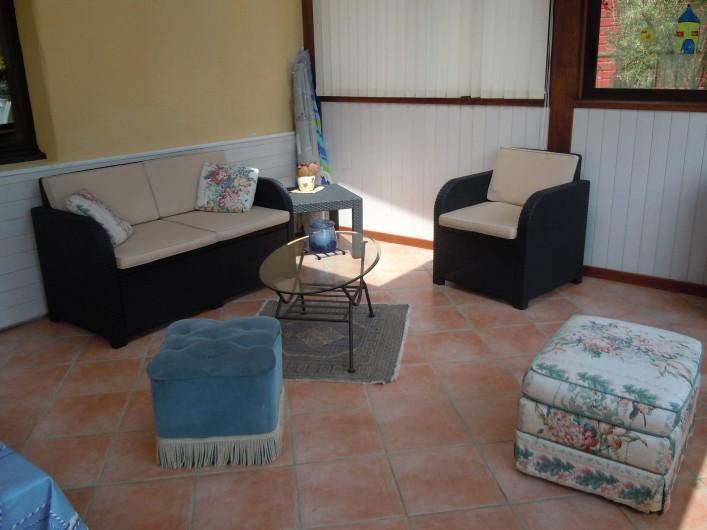 Location de vacances - Gîte à Trédrez-Locquémeau - Coin salon dans véranda