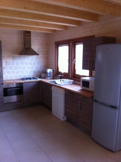 Location de vacances - Chalet à Les Orres - cuisine bousquatier et pastre identique