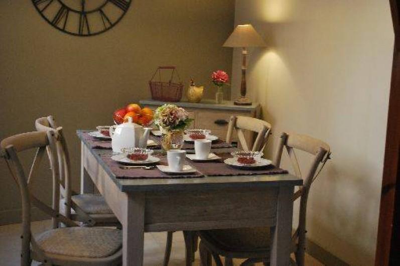 Location de vacances - Gîte à Sarlat-la-Canéda - La salle à manger du gite