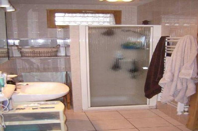 Location de vacances - Appartement à La Toussuire - salle de bain