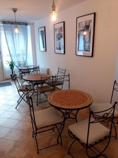 Location de vacances - Gîte à Pontorson - Cuisine et espace repas
