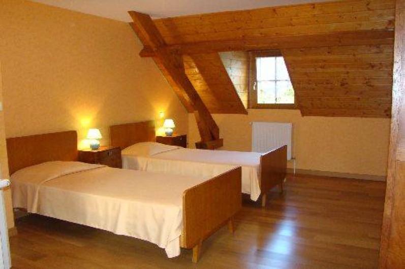 Location de vacances - Gîte à Bun - Chambre 2 lits 90 (+ lit 140, non pris sur la photo)