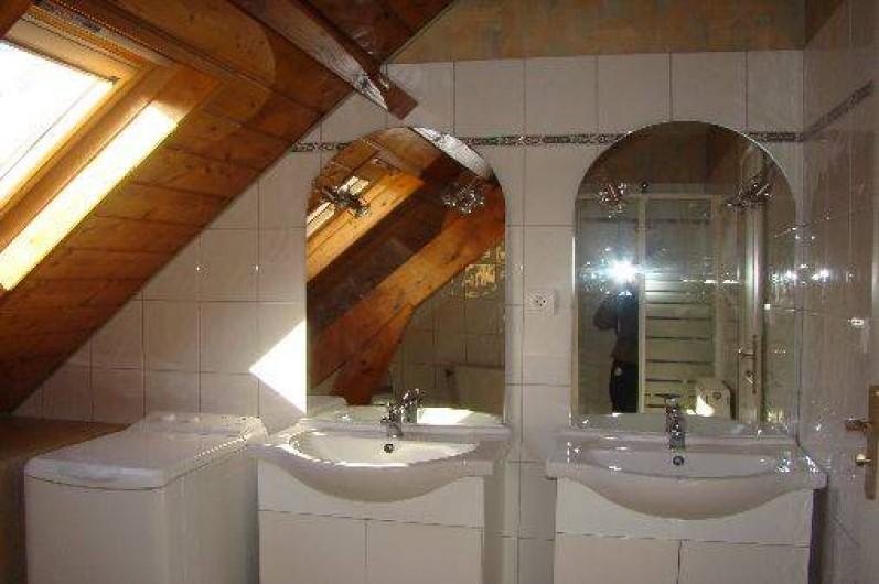 Location de vacances - Gîte à Bun - salle d'eau