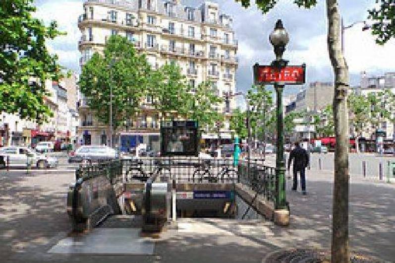 Location de vacances - Studio à 11e Arrondissement - le métro tout proche