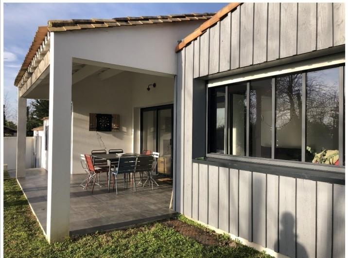 Location de vacances - Villa à La Brée-les-Bains - Terrasse couverte