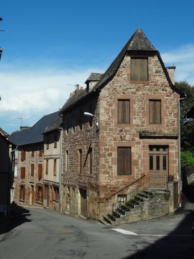 Location de vacances - Gîte à Saint-Cyprien-sur-Dourdou - Rue de l'église