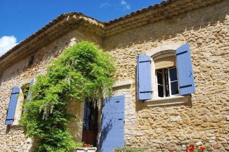Location de vacances - Studio à Saint-Victor-la-Coste - mas du vieux chemin des pierres de 1777