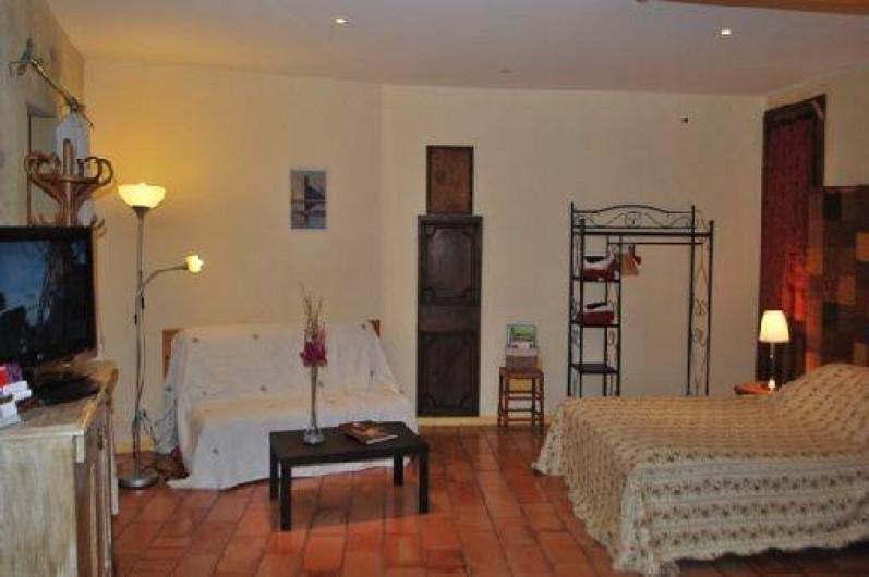 Location de vacances - Studio à Saint-Victor-la-Coste - studio espace nuit